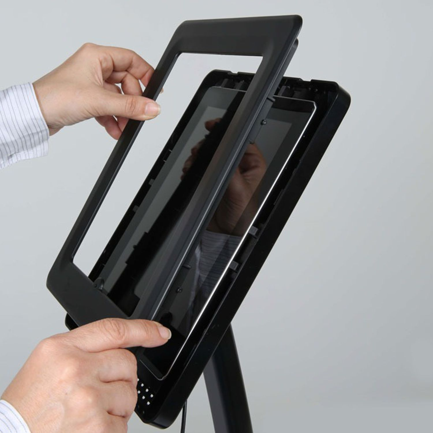 Curve Free Standing Ipad And Tablet Floor Stand